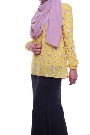 attiremadness | woman | blouse | floral | bunga