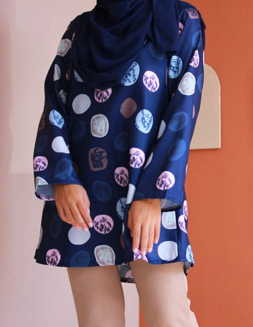 attiremadness   women   blouse   polkadot   muslimah   long sleeve