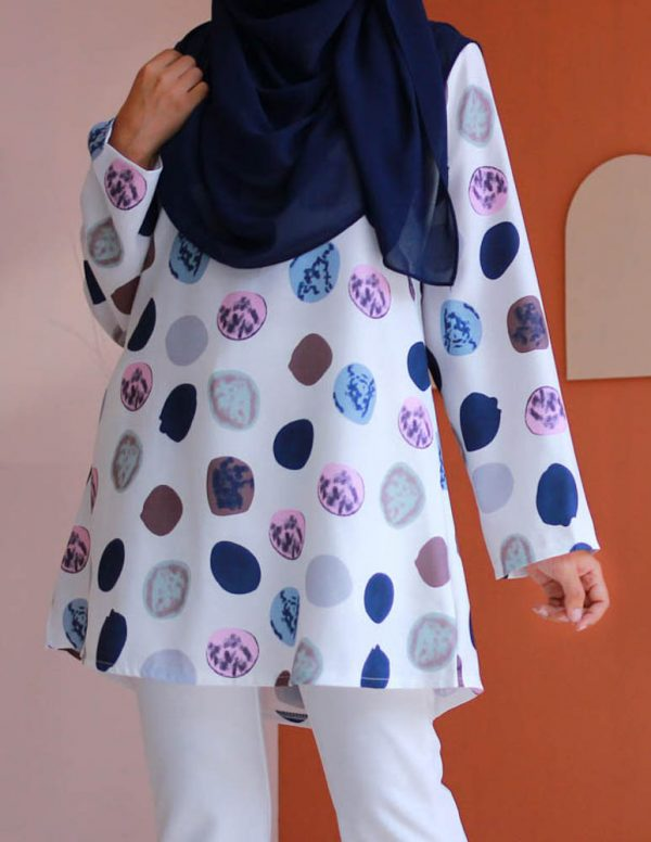 attiremadness | women | blouse | polkadot | muslimah | long sleeve
